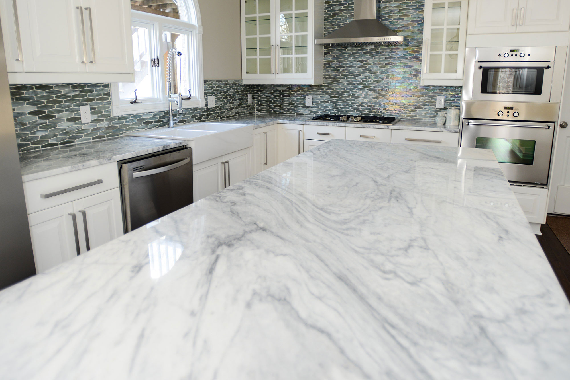 white_marble_countertop